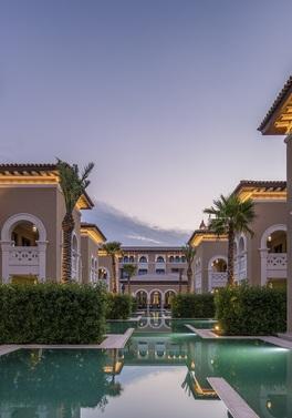 Ultra All Inclusive Abu Dhabi for 6 friends in a villa!