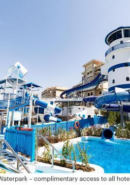 Easter Waterpark fun at the Le Meridien Mina Seyahi in Dubai!